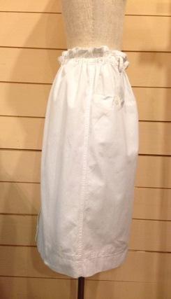 white スカート_e0268298_18342799.jpg