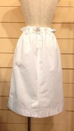 white スカート_e0268298_18345396.jpg