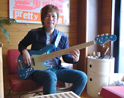 「横倉和夫くん」と「Modern 5 JH-Bass #002」。_e0053731_1452185.jpg