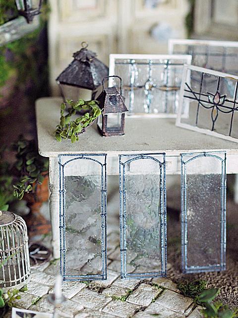 miniature*  アンティーク風 ステンドガラス。息子の喘息。_e0172847_11511758.jpg