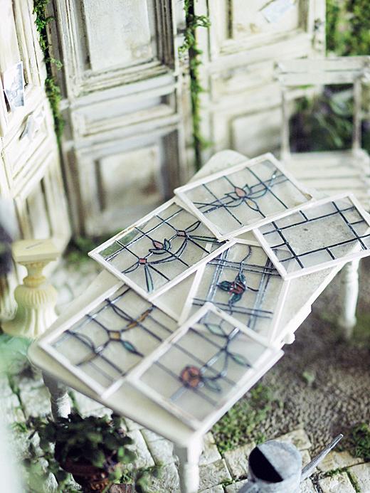 miniature*  アンティーク風 ステンドガラス。息子の喘息。_e0172847_11512511.jpg