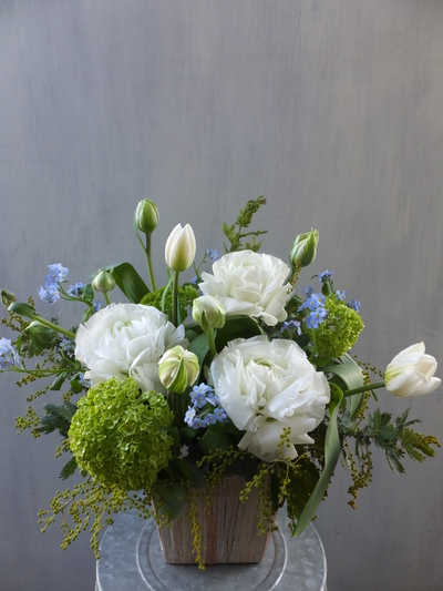 オークリーフ(お悔やみの花、春の草花で・・)_f0049672_1137102.jpg