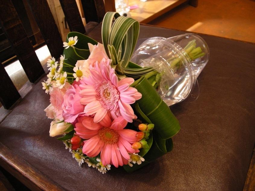 「You Tube の花屋さん・・・。価格明朗、プレゼント商品メニュー一覧」のつづきです。その2。_b0344880_15362292.jpg