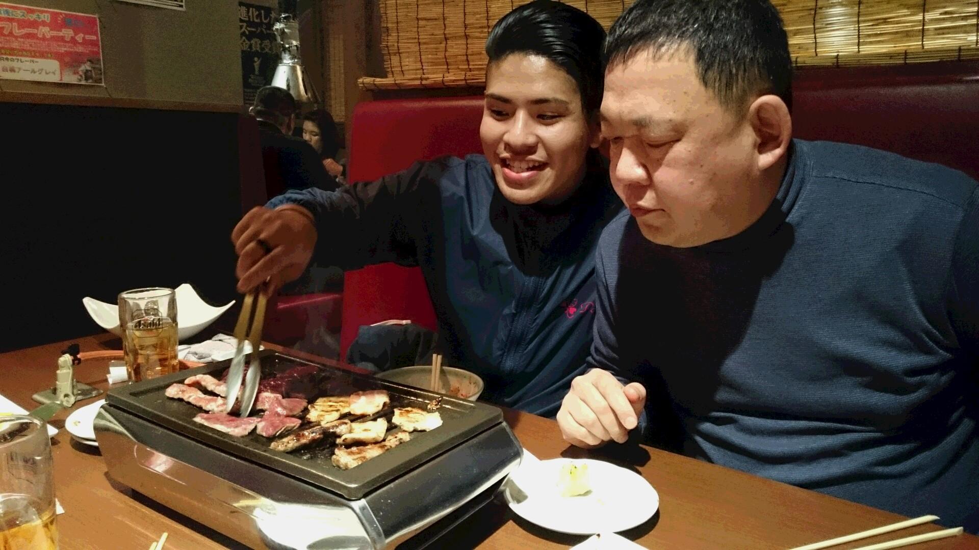 本日焼き肉 「食べちゃー」です。。_f0065444_2003649.jpg