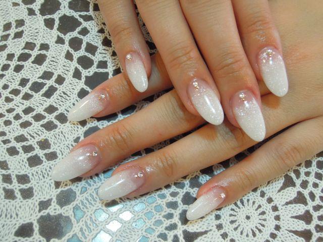 White Nail_a0239065_16562610.jpg