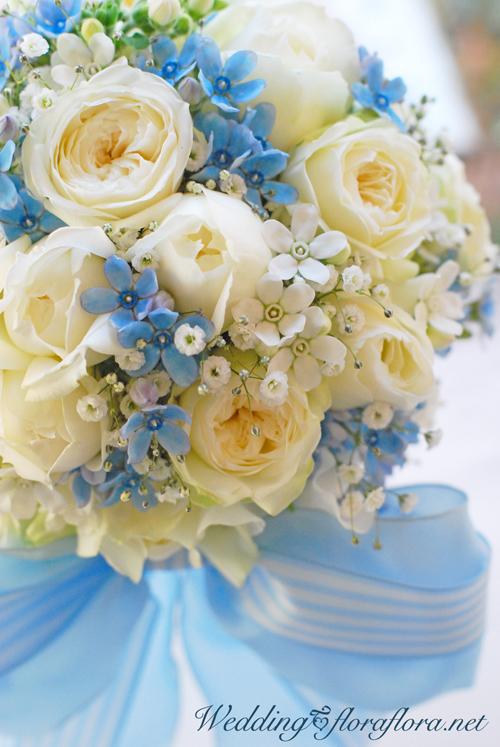 シンデレラの花嫁様へ ピュアブルーと白いバラ達のリボンブーケで月曜日のご挨拶_a0115684_20290468.jpg