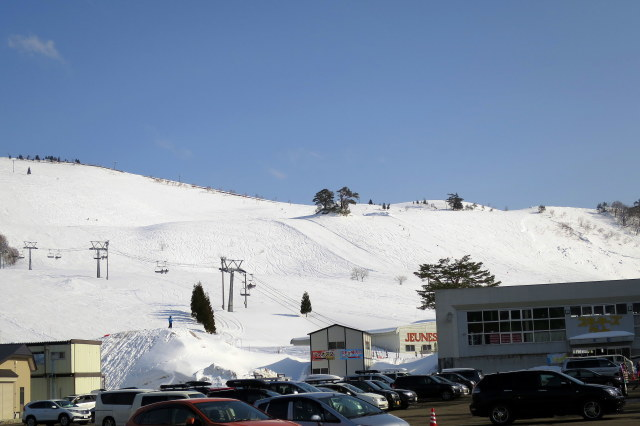 スキー場はまだ大丈夫!_a0214206_08544843.jpg