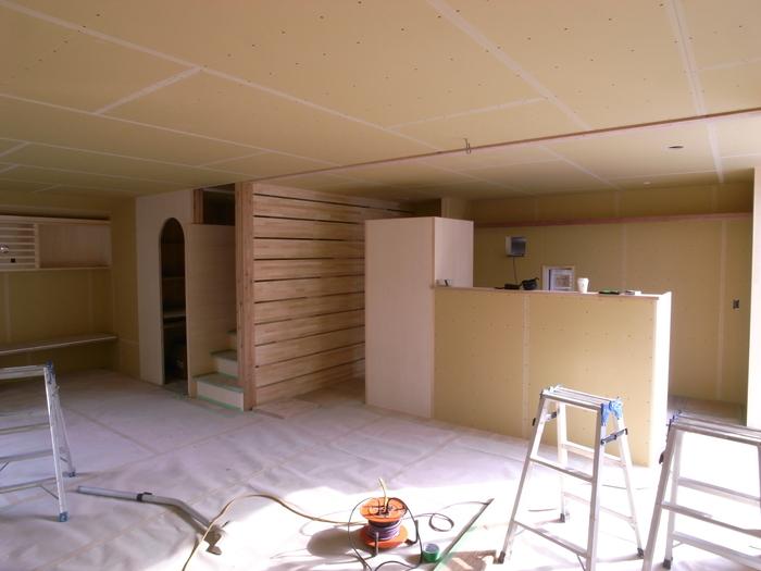 1F木工事完了、続いて塗装工事_d0332870_20593328.jpg
