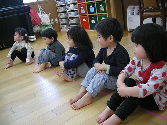 ☆新聞紙遊び☆_a0162903_1333878.jpg