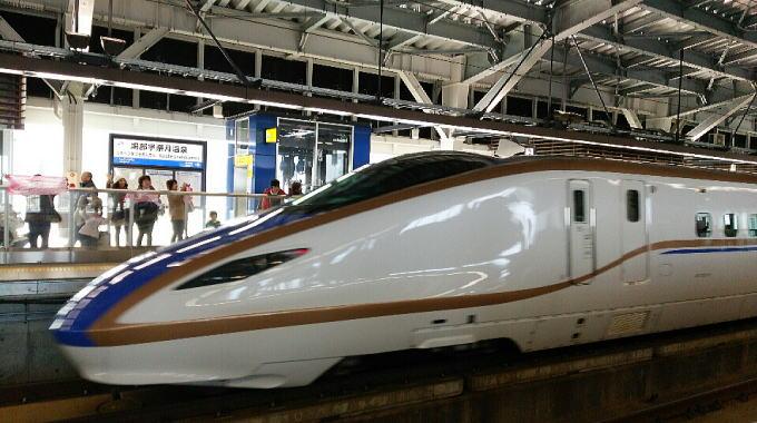 新幹線・・・・_b0189573_1052323.jpg