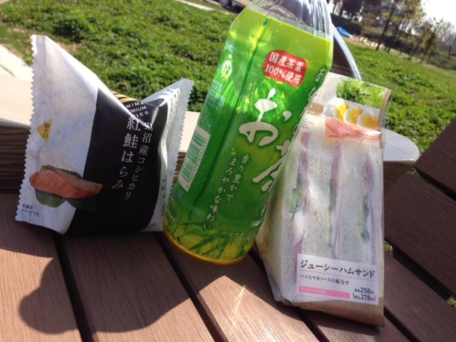 ピクニック気分_a0326106_20301391.jpg