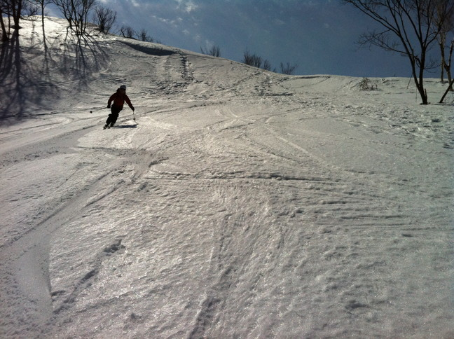 "2015年3月 「春も定番の塩谷丸山へ」 March 2015 ""Spring ski in our homeground Shioya-Maruyama\""_c0219616_1681399.jpg"