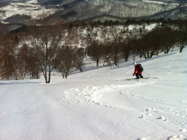 "2015年3月 「春も定番の塩谷丸山へ」 March 2015 ""Spring ski in our homeground Shioya-Maruyama\""_c0219616_1682646.jpg"
