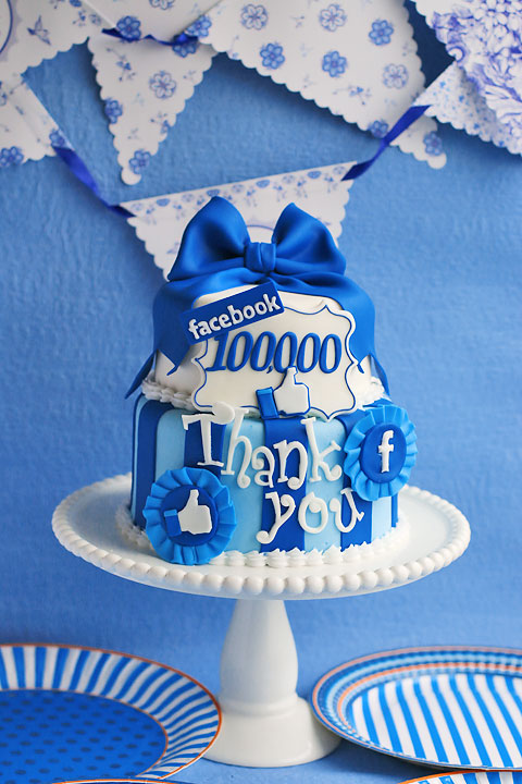 Facebook10万人突破記念ケーキ_f0149855_6252396.jpg