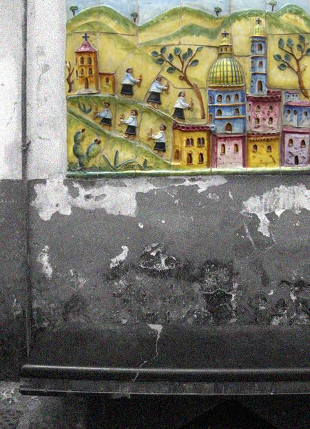 ヴィエトリ・スル・マーレ マジョルカ焼きで彩られたフォトジェニックな町_f0205783_20393190.jpg