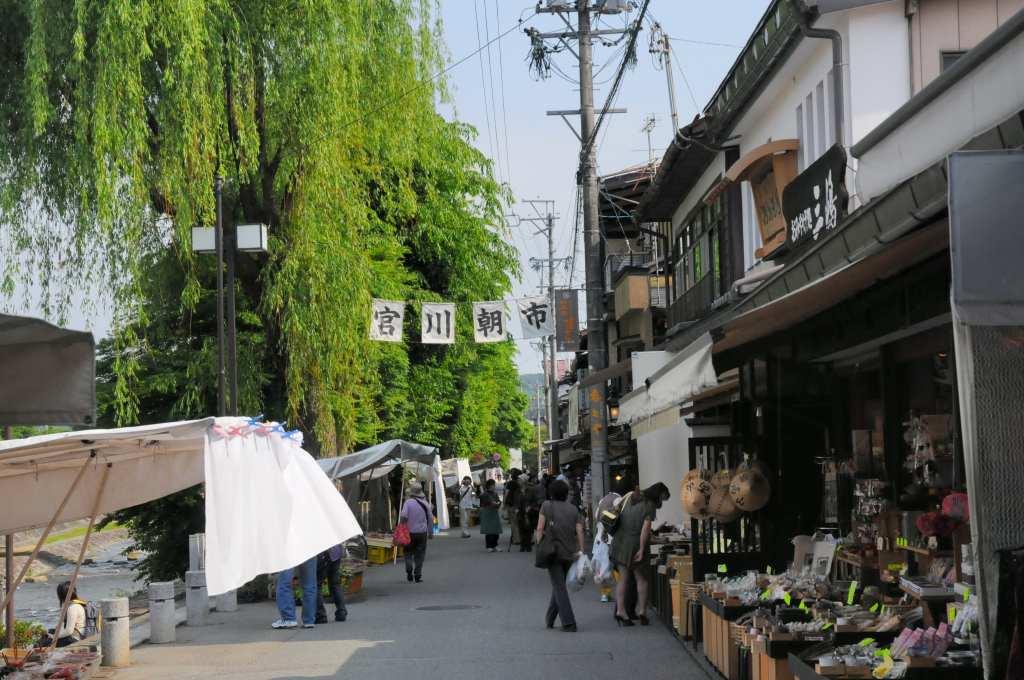 高山の古い街並みを散策_a0148206_9391343.jpg