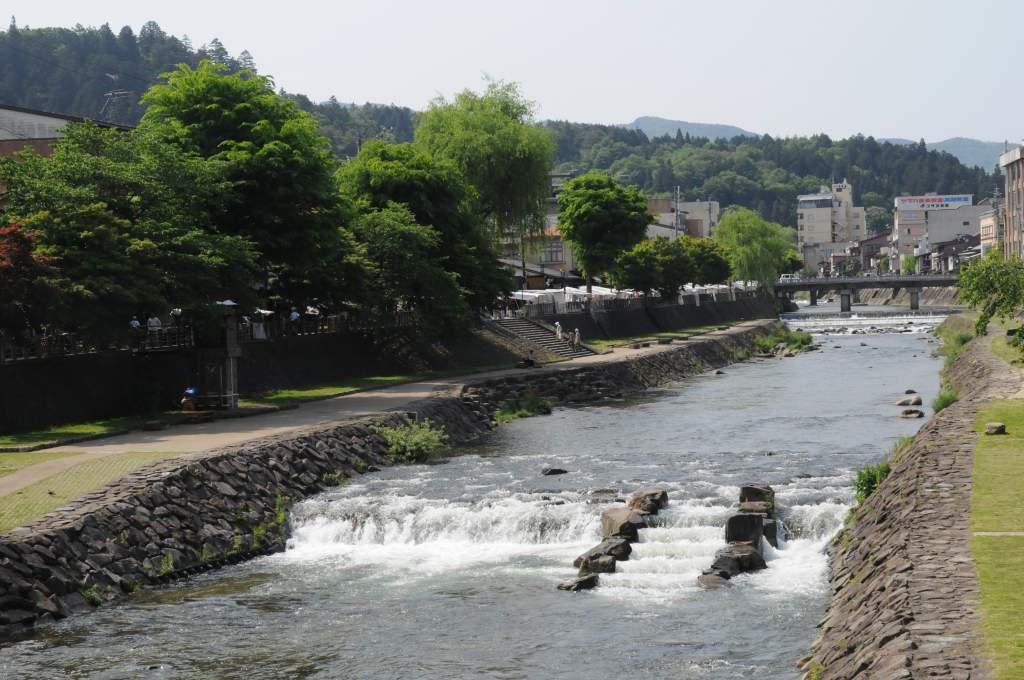 高山の古い街並みを散策_a0148206_9524043.jpg