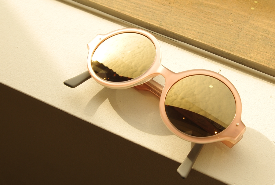 「VERY FRENCH GANGSTERS sunglasses」_f0208675_19201391.jpg