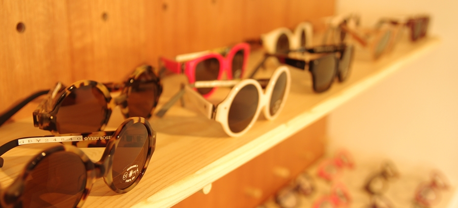 「VERY FRENCH GANGSTERS sunglasses」_f0208675_1923076.jpg