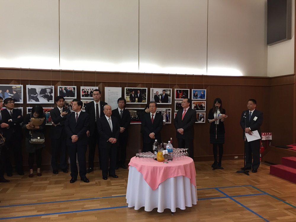 速報。中国大使館主催の中日記者交換五十周年記念レセプション、先ほど東京で開催_d0027795_15453383.jpg