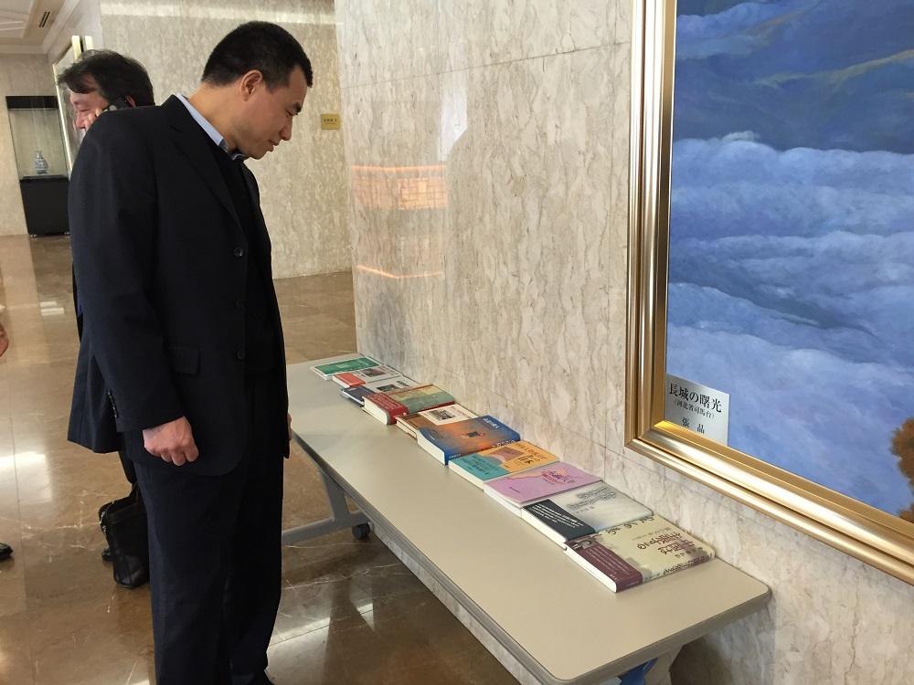 速報。中国大使館主催の中日記者交換五十周年記念レセプション、先ほど東京で開催_d0027795_15464297.jpg
