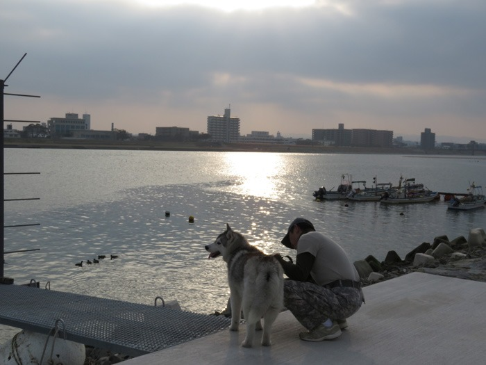 川っぷちはドラマチック♪ (^o^)_c0049299_2125729.jpg