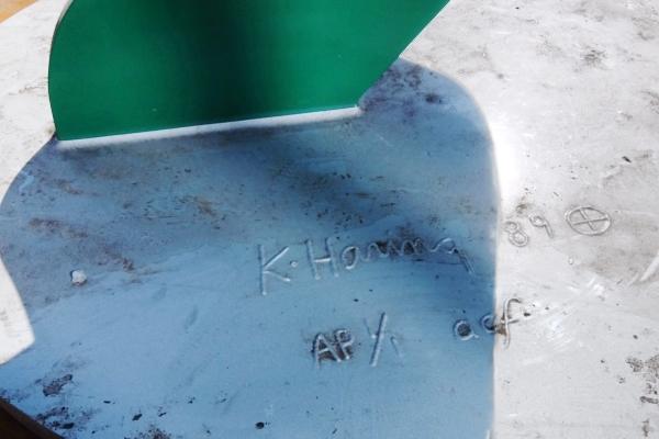この冬、新たにNYの街角に登場したキース・へリングさんのアート作品、Self Portrait_b0007805_19323975.jpg