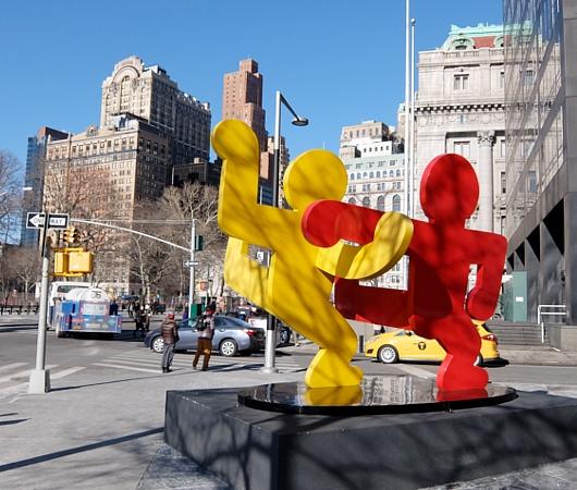この冬、新たにNYの街角に登場したキース・へリングさんのアート作品、Self Portrait_b0007805_19331328.jpg