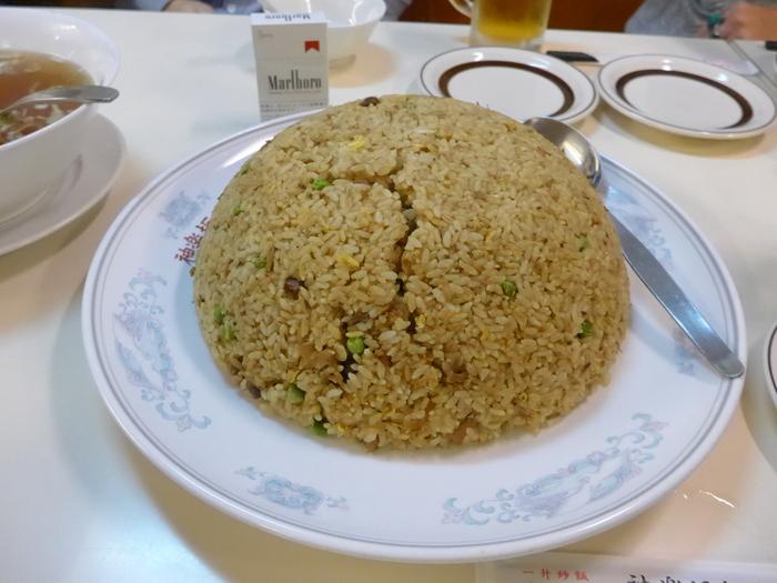 「神楽坂飯店」のジャンボ餃子を食べる。_f0232060_14435760.jpg