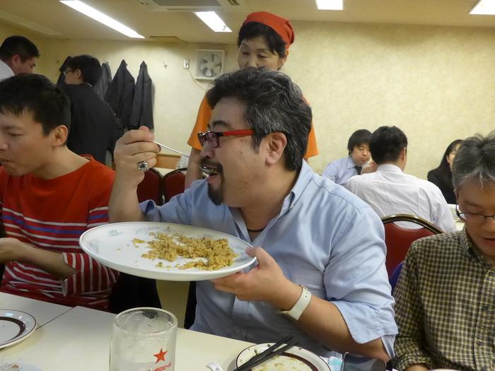 「神楽坂飯店」のジャンボ餃子を食べる。_f0232060_14572415.jpg