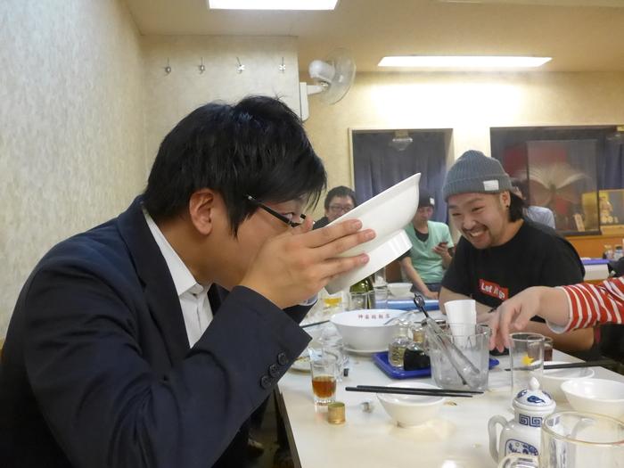 「神楽坂飯店」のジャンボ餃子を食べる。_f0232060_1563567.jpg
