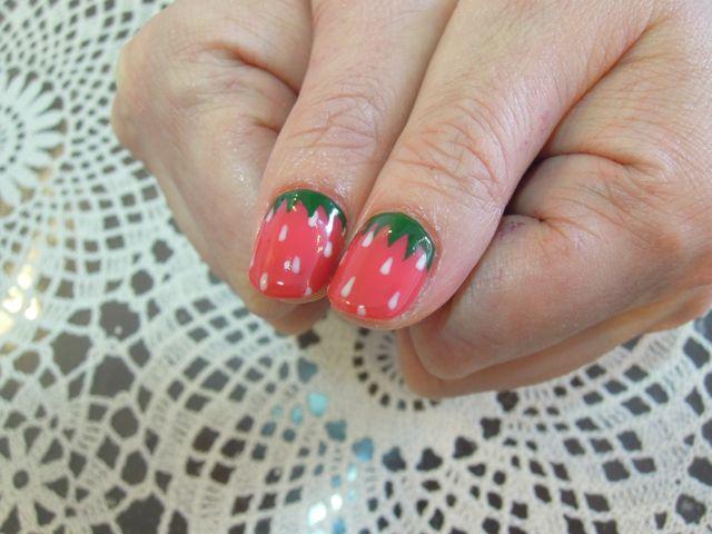 Strawberry Nail_a0239065_16213835.jpg