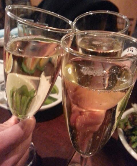 ワイン(シャンパンあり)飲み放題1990円♪「ESOLA」@田町_b0051666_20192516.jpg