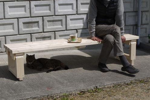 屋外ベンチができました。_c0334574_19521431.jpg