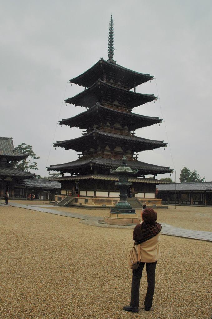 ⑬法隆寺を訪ねて_a0148206_8374515.jpg