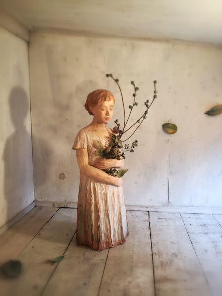 神崎由梨 個展 「虚実の果実」_b0052772_0112469.jpg