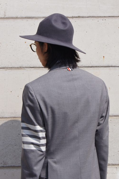 THOM BROWNE. - GREY & NAVY..._c0079892_20453344.jpg