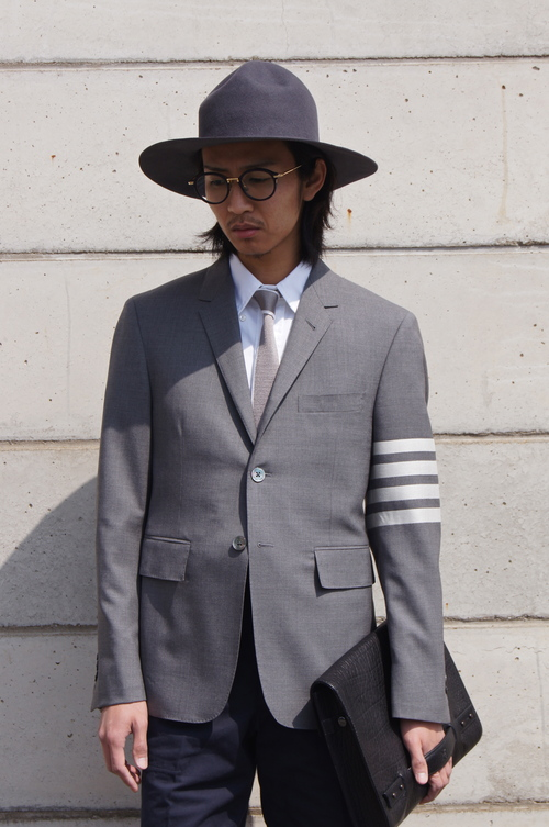 THOM BROWNE. - GREY & NAVY..._c0079892_20455038.jpg
