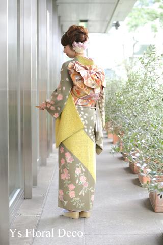 桜柄のお着物に生花のヘッドドレス & 贈呈用リース_b0113510_22544725.jpg