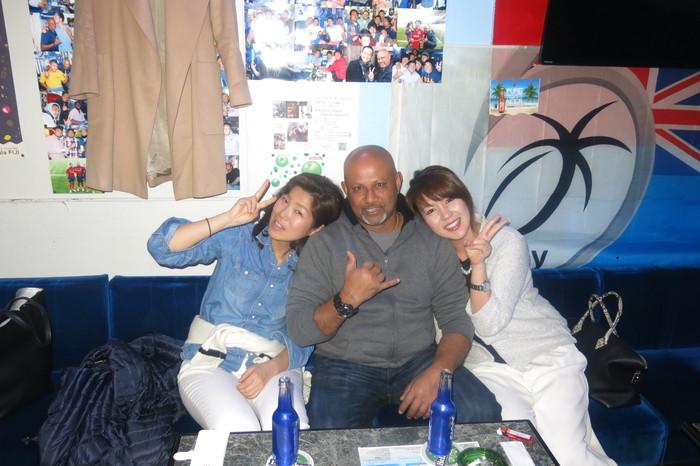 FIJI BAR Osaka_a0117653_21211442.jpg