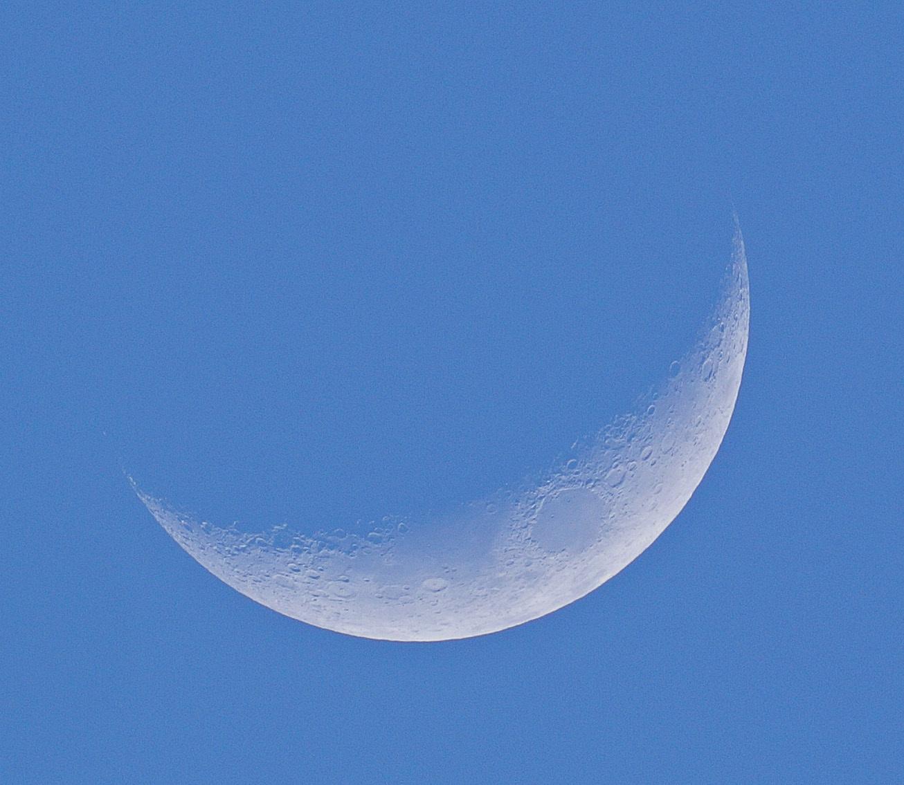 2015年3月24日の月(月齢4.0)_e0089232_19042786.jpg