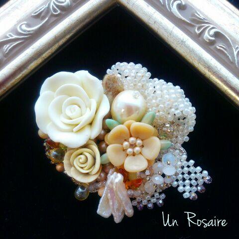 白い花束~ブローチ_a0142642_822417.jpg