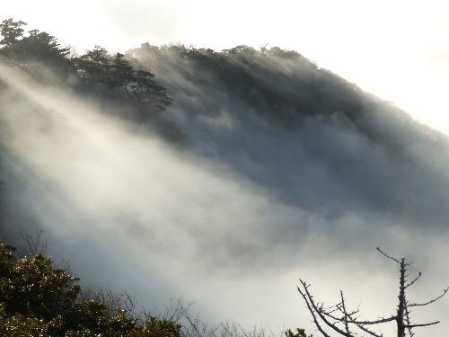 山の神様にご挨拶 ブロッケン現象_b0160957_1851774.jpg