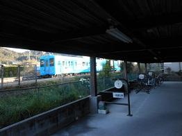 安登駅駐輪場、4月から無料_e0175370_1593953.jpg