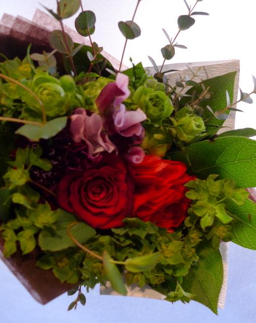 送別用の花束。女性用。6つ感じ変えて。東札幌の、送別会のお店にお届け。_b0171193_20024011.jpg