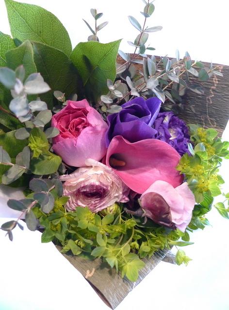 送別用の花束。女性用。6つ感じ変えて。東札幌の、送別会のお店にお届け。_b0171193_20024334.jpg