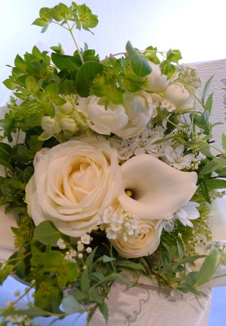 送別用の花束。女性用。6つ感じ変えて。東札幌の、送別会のお店にお届け。_b0171193_20024699.jpg