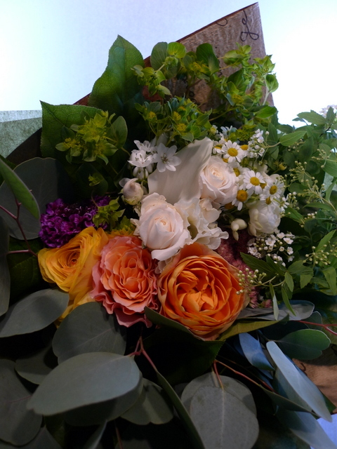 玄関リース「春~夏バージョンで」と、ご自宅用の花束。_b0171193_20092237.jpg