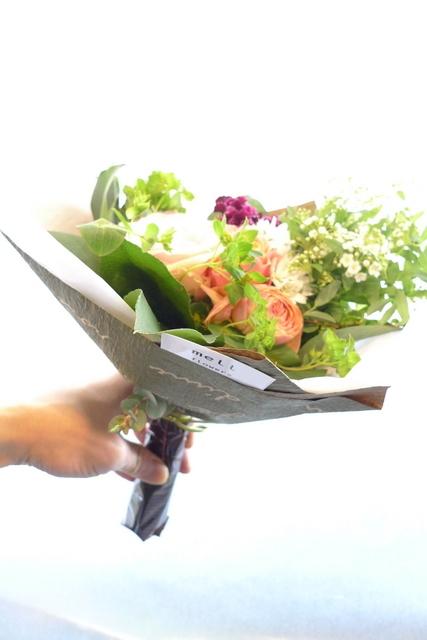 お誕生日の花束2種。女性用。福住にお届け。_b0171193_20202498.jpg