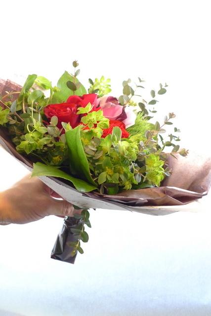 お誕生日の花束2種。女性用。福住にお届け。_b0171193_20211927.jpg